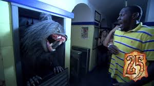 halloween horror nights parking an american werewolf in london returns to halloween horror nights