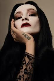 Morticia Addams Halloween Costumes 10 Morticia Addams Makeup Ideas Cat Eye