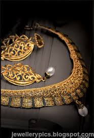 intricate gujarathi gold jewellery sets by tanishq