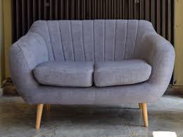 retro sofa gã nstig 2 sitzer gnstig ritchie sitzer sofa perlgrau with