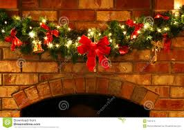 Christmas Garland Decorating Ideas by Creative Christmas Garland On Fireplace Decorate Ideas Fancy And