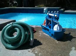 Factors to consider when hiring a swimming pool service company
