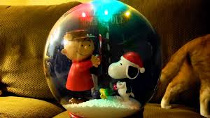 thanksgiving snow globe peanuts charlie brown snoopy musical christmas snow globe youtube