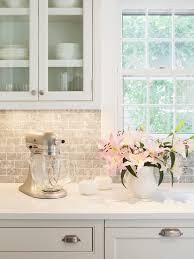 Gray And White Marble Backsplash Design Ideas - White marble backsplash