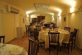 credenza ristorante sala ristorante foto di la credenza san venanzo tripadvisor