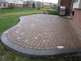 Backyard Stone Ideas Backyard Paver Designs Backyard Paver Designs 1000 Ideas About