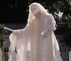 Outdoor Halloween Decorations Ghosts by 206 Best Halloween Decorating The Outside Images On Pinterest