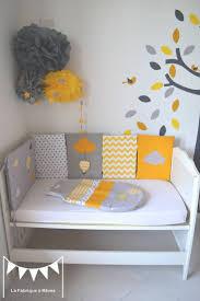 stickers chambre bébé mixte idée chambre bébé cadre meuble couleur blanc garcon pour decorer
