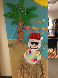 Christmas Door Decorations Ideas For The Office Best 25 Christmas Door Decorating Contest Ideas On Pinterest