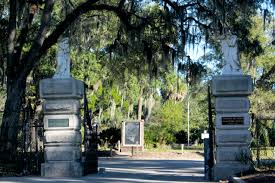 happy halloween photo essay my visit to bonaventure cemetery