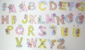 buchstaben für kinderzimmer neu spiegelburg selbstklebende deko buchstaben prinzessin lillifee