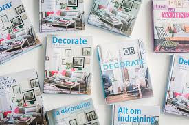 how to decorate pictures books decor8