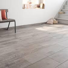 carrelage imitation marbre gris carrelage imitation parquet gris clair 2017 et carrelage intarieur