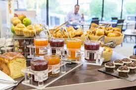 le mans cuisine petit déjeuner buffet picture of hotel novotel le mans le mans