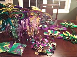 mardis gras decorations diy mardi gras party decor 50 emilys enchantments mardis