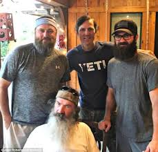 duck dynasty star shaves his beard for cleft lip charity daily