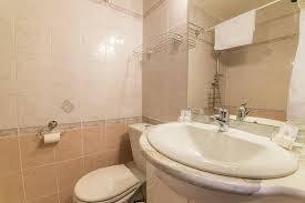 chambre d hote jausiers chambres d hôtes simples ou doubles et suite 2 à 4 personnes du