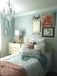 Mint Green Wall Decor Contemporary Beach Cottage Bedroom With Gold