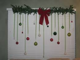 christmas decoration ideas designed by green wreath with white