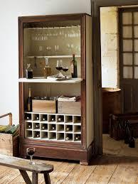 transformer un meuble ancien un meuble transformé en armoire à vin marie claire