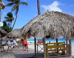 How To Build A Tiki Hut Roof How To Thatch A Roof With Palm Leaves Hunker