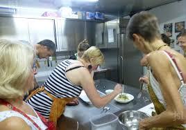 cours de cuisine pour 2 cours et stages de cuisine un cours de cuisine pour voyager au
