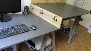 fabriquer bureau faire un bureau à 2 niveaux avec 2 tréteaux