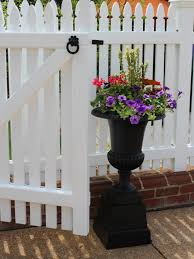 Black Urn Planter by Tour The Design And Flower Ideas At Virginia U0027s Historic Garden