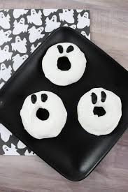 easy to make ghost doughnuts for halloween