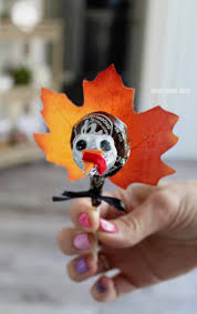 tootsie pop turkeys adorable easy thanksgiving turkey craft