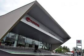 toyota branches toyota opens new body u0026 paint centre in kuching sarawak lowyat