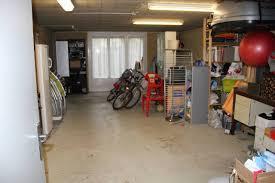 am駭ager un garage en chambre fascinant amenagement garage concernant aménagement garage en