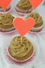 halloween treat eyeball cupcake toppers revamperate