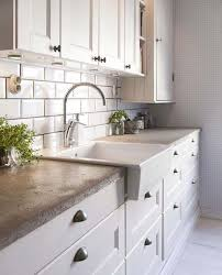 Apron Sink With Backsplash by 40 Amazing And Stylish Kitchens With Concrete Countertops