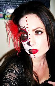 half halloween makeup 42 best halloween images on pinterest halloween ideas make up