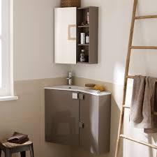 toilette sous escalier aménager une petite salle de bains avec de grandes idées