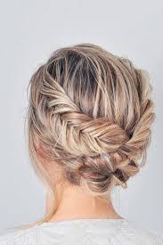 cuisiner les chignons 33 amazing prom hairstyles for hair 2018 événements de