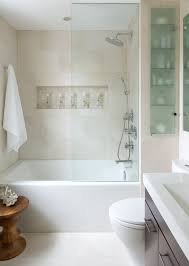 glass door on bathtub love the half glass door does it keep the water in the tub or do