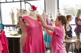 Fashion Designer Education Requirements Take An Art Class Columbus College Of Art U0026 Design