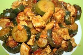 que cuisiner avec des courgettes recette de poulet aux courgettes facon tagine