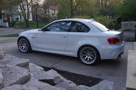 bmw m235i review bmw 1m review bmw m235 vs 1m