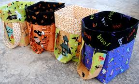 time to stitch up a trick or treat bag weallsew