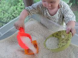 Toddler Sensory Table by 20 Educational And Fun Sensory Table Activities For Kids Inhabitots