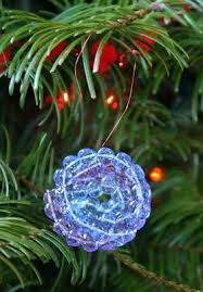 How To Make Christmas Ornaments Out Of Beads - 146 best mardi gras bead crafts images on pinterest mardi gras