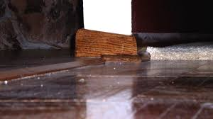 what were they thinking look at this crooked baseboard wood
