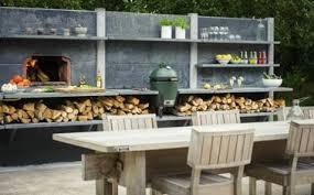 cuisine exterieure beton cuisine d été extérieure avec four à pizza encastré dans mur dalle