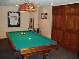 simple home pool table room