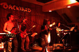 rock n rolla clips form their performance at backyard pub kl