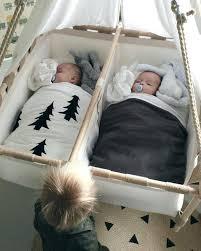 chambre jumeaux bébé lit jumeaux bebe les 25 meilleures idaces de la catacgorie chambre