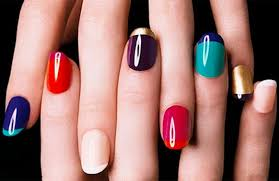 here u0027s your answer to u201cwhat color should i paint my nails with u201d